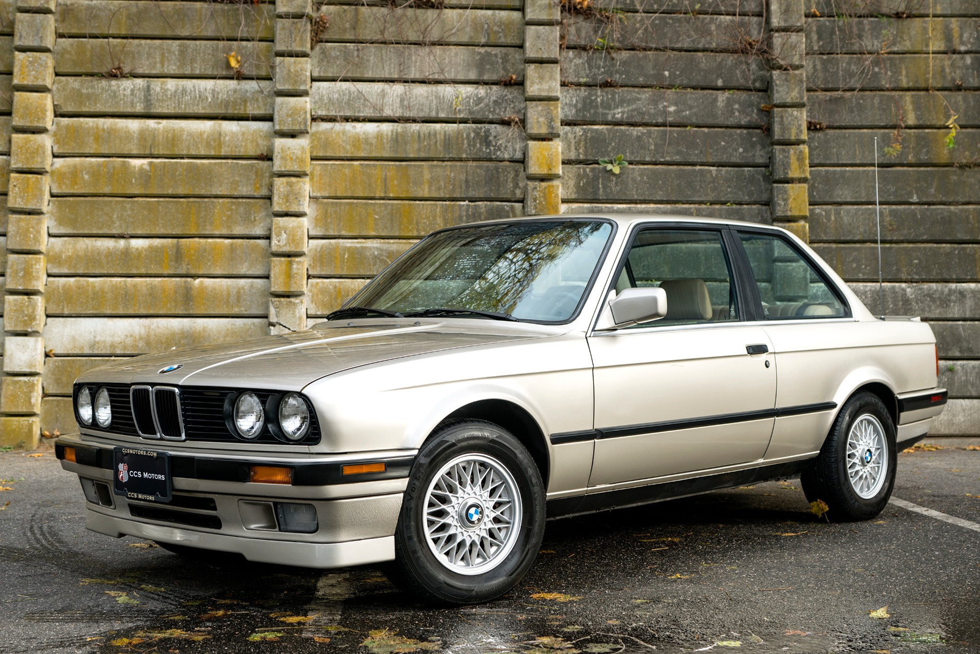 Used 1990 BMW 3 SERIES 325is | Oyster Bay, NY