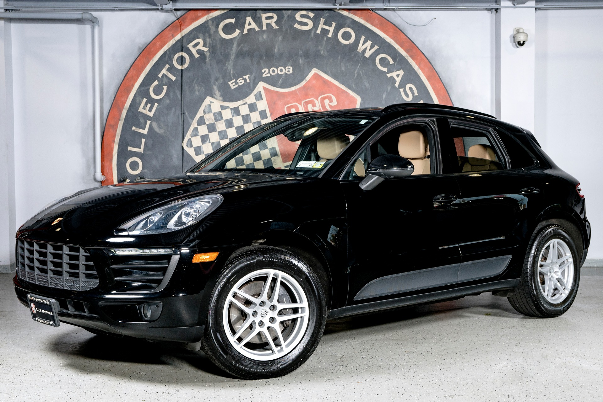 Used 2017 Porsche Macan  | Oyster Bay, NY
