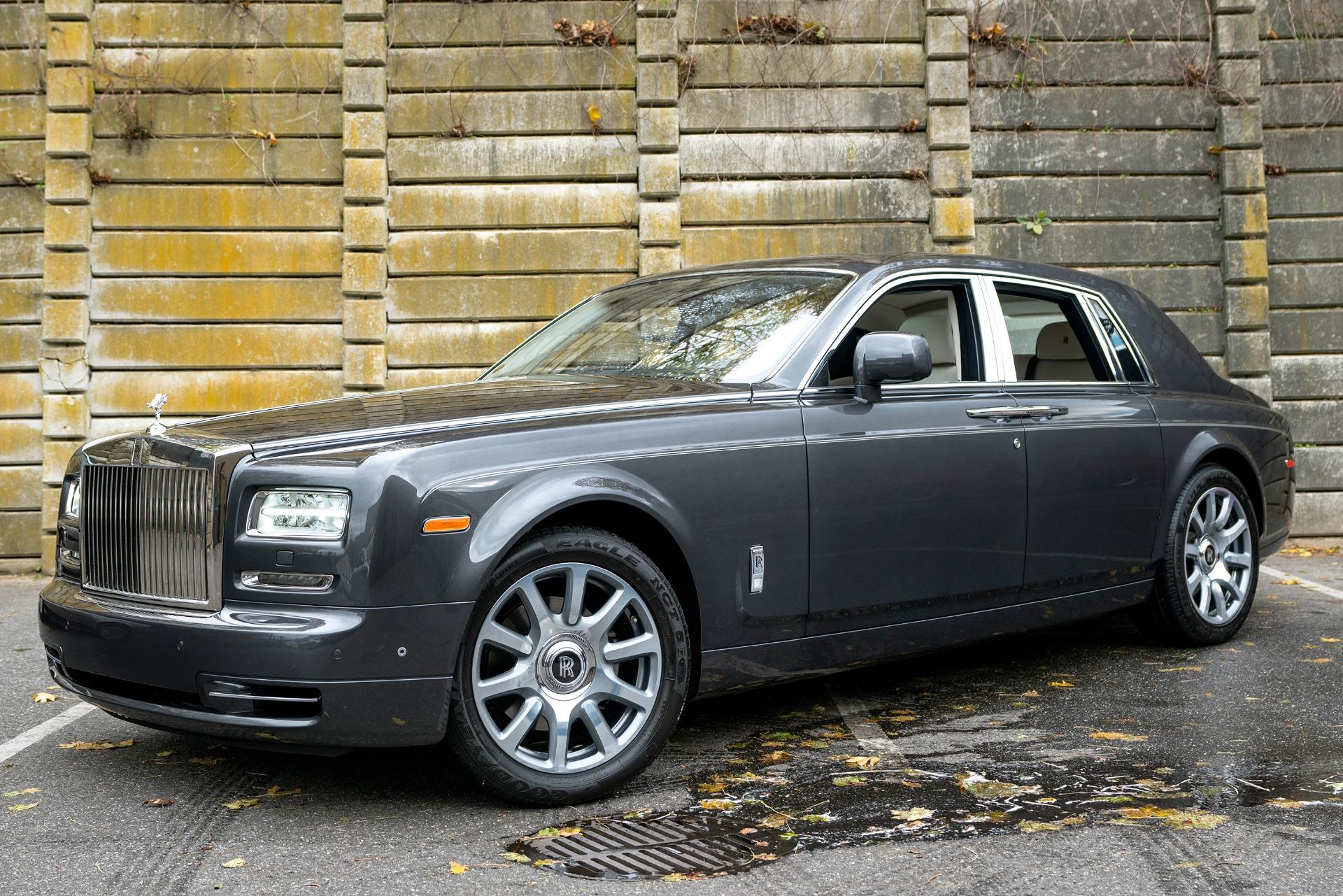 Used 2013 Rolls-Royce Phantom  | Oyster Bay, NY