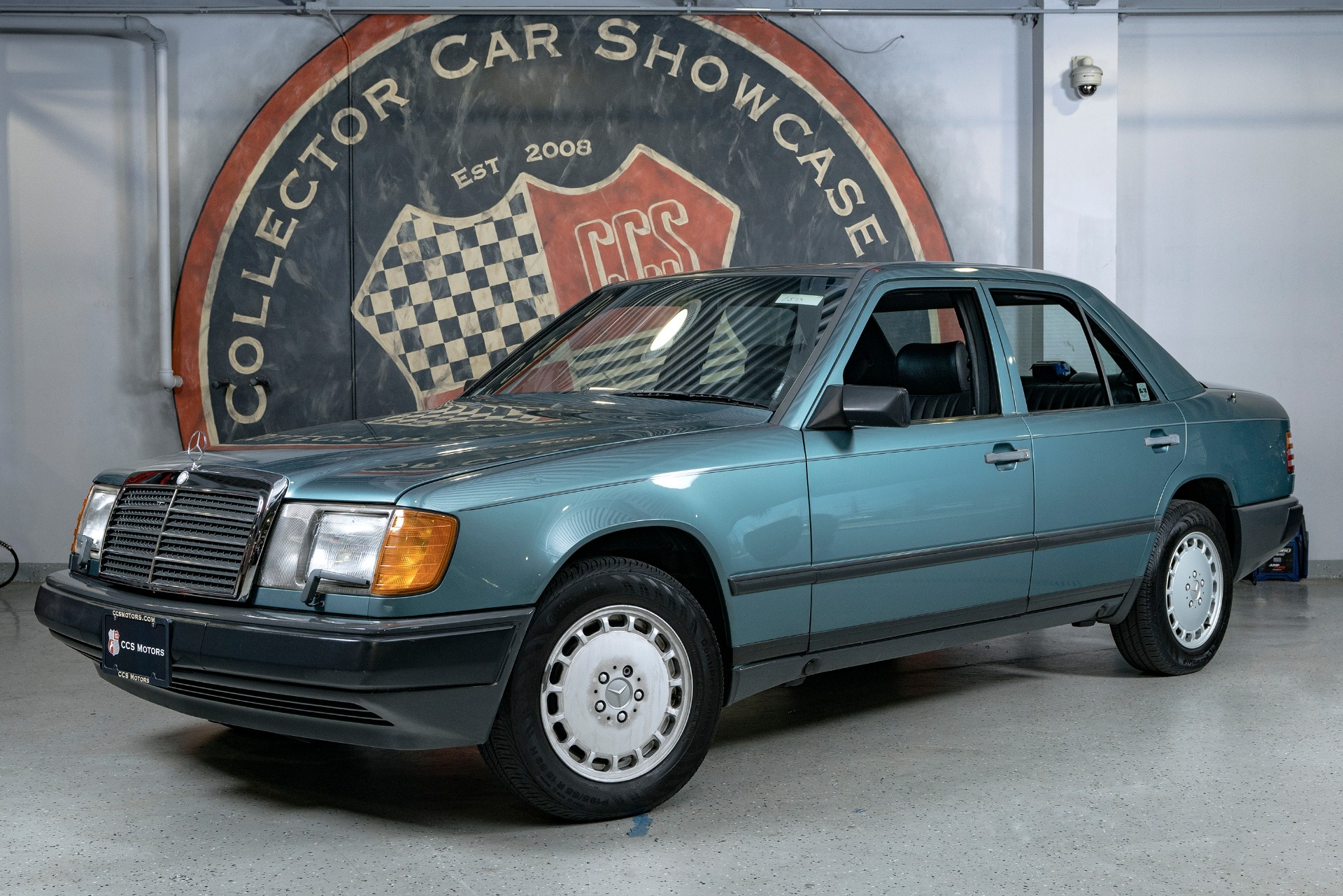 Used 1987 Mercedes-Benz 300D E-CLASS | Oyster Bay, NY